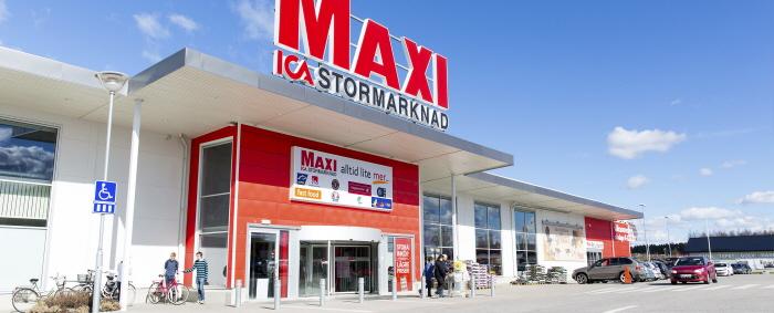 maxi_ica_stormarknad_katrineholm-_entr-_fasad